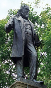Сопротивление - Страница 6 Albert_pike_statue